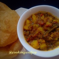 Spicy n tangy Potato curry with puri